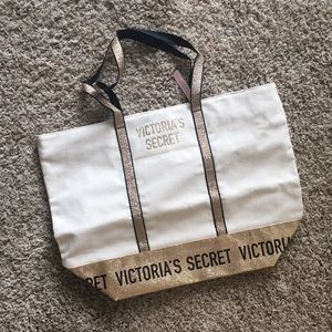 ☀️NEW! Victoria's Secret tote